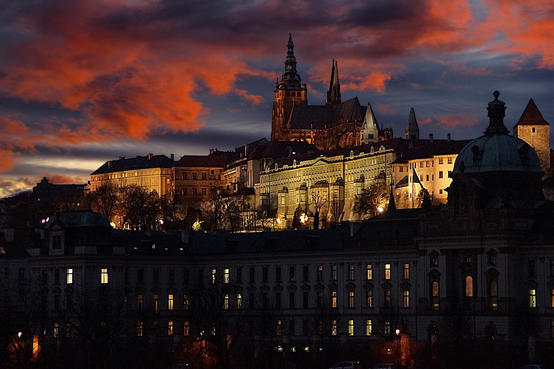 A fairy tale view of Prague Castle at night