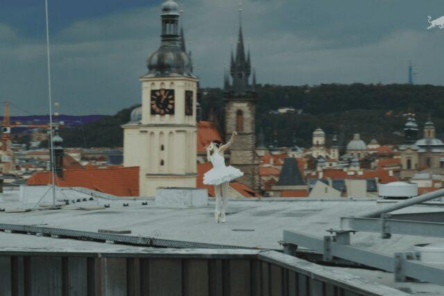 ballet-dancer-prague-rooftops